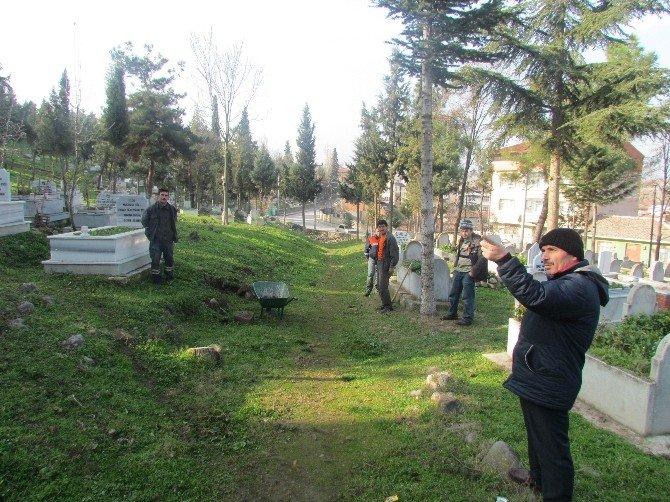 Vezirköprü'de Mezarlıklara Çevre Düzenlemesi