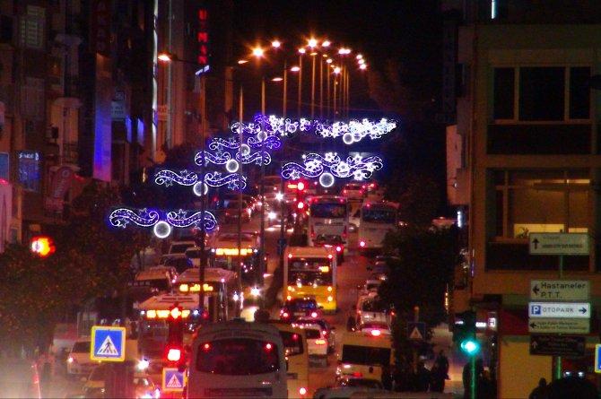 Aydın yeni yıl için ışıklandırıldı