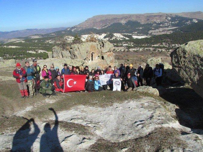 Afdos Ağın Dağı'na Doğa Yürüyüşü Gerçekleştirdi