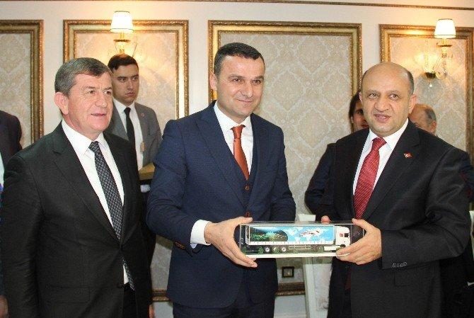Başkan Revi Ve Ekibinden Bilim, Sanayi Ve Teknoloji Bakanı Fikri Işık'a Ziyaret