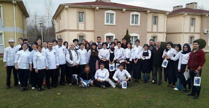 Akademik Genç Aşçılar Tahta Kaşık Yemek Yarışması Sonuçlandı