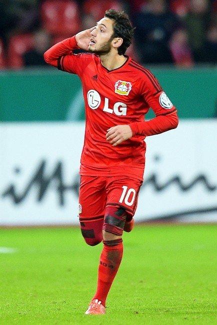 Çalhanoğlu, En İyi Çıkış Yapan Futbolcu Oldu