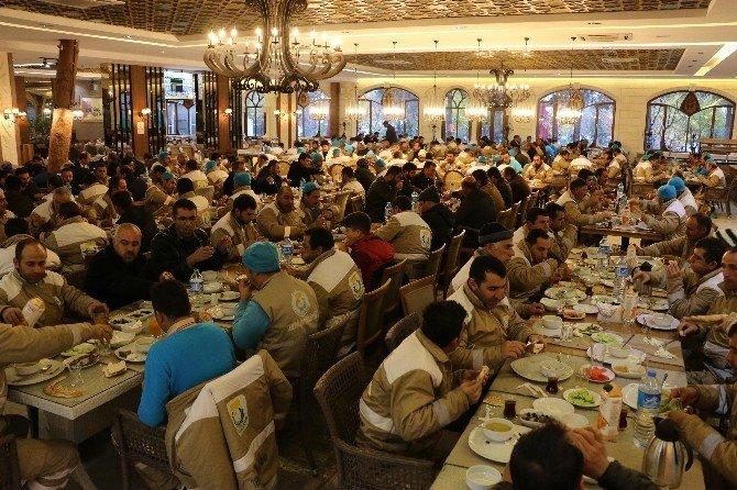 Başkan Demirkol, Temizlik İşçileriyle Kahvaltıda Buluştu