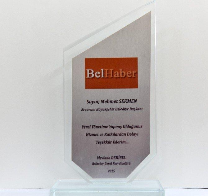 Belhaber'den Başkan Sekmen'e Ödül