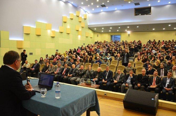 Eski Bakandan 'Müspet Hareket' Konferansı