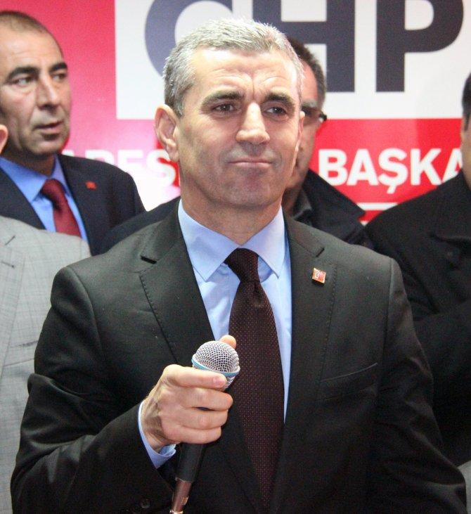 CHP Balıkesir İl Başkanı Ender Biçki göreve başladı