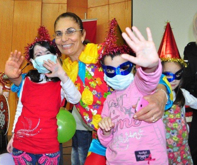 Balcalı'da Çocuklar İçin Yılbaşı Eğlencesi