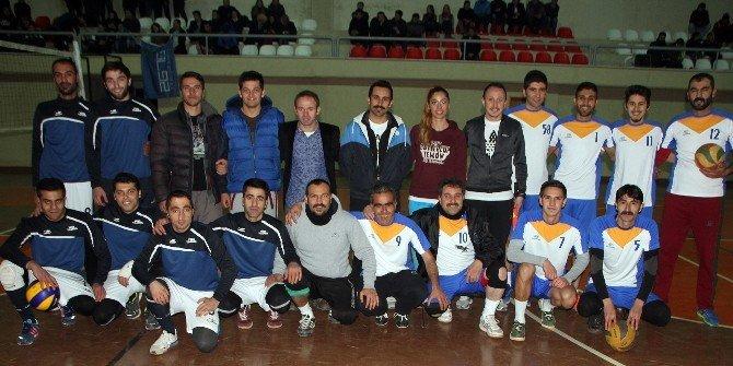 Diyadin'deki Voleybol Turnuvası Sona Erdi