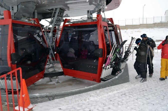 Erciyes Kayak Merkezinde Yılbaşı Dolu Geçecek
