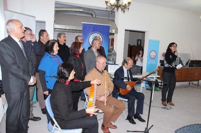 Eskişehir Kent Konseyi Üyeleri, Selami Vardar Yaşlılar Köşkü'nü Ziyaret Etti