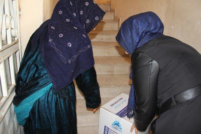 Eyyübiye Belediyesi Dar Gelirli Ailelere Ulaşmaya Devam Ediyor