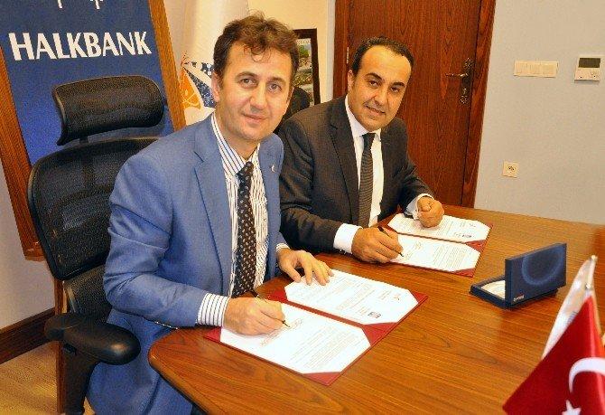 GTÜ Ve Halk Bankası 'Girişimcilerle İşbirliği' Protokolü İmzaladı
