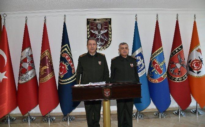 Genelkurmay Başkanı Orgeneral Akar, Harp Akademileri Komutanlığı'nda İncelemede Bulundu