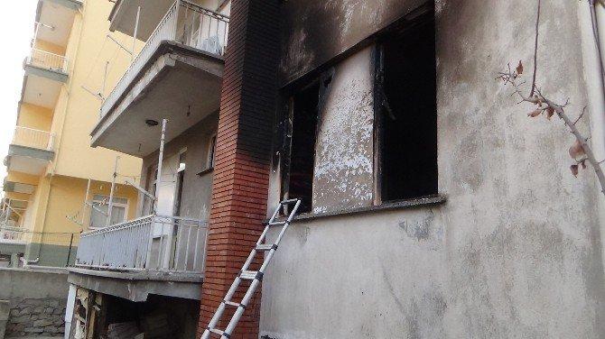 Yangında Yaşlı Kadın Hayatını Kaybetti