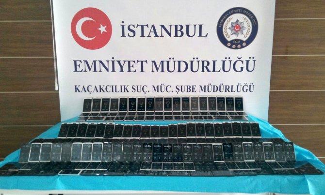 İstanbul'da kaçak cep telefonu operasyonu