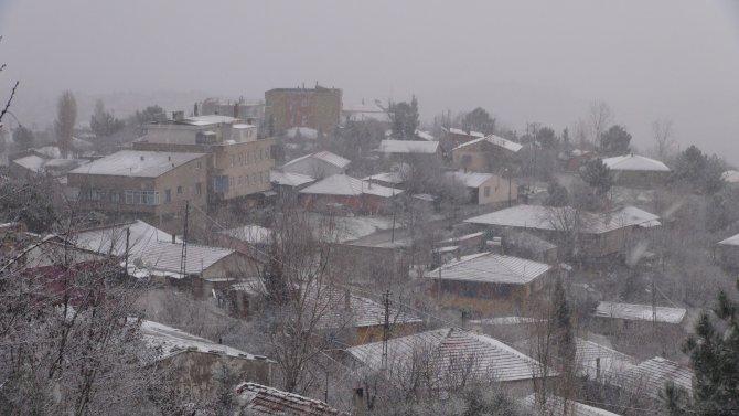 İstanbul beyaza büründü