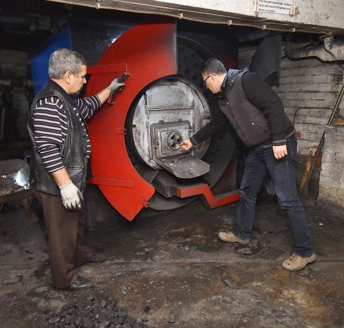 İzmir Büyükşehir ekipleri kömür denetimi yapıyor