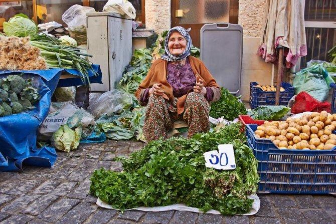 İzmir'in turistik ilçesi Tire, TAV ile dünyaya açılıyor