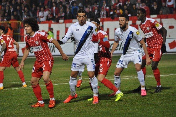 Kayseri Erciyesspor İlk Yarıda 37 Oyuncusundan 27'sine Şans Tanıdı