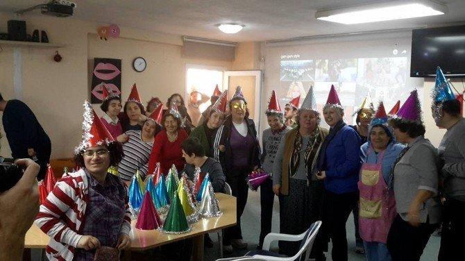 Kuşadası Engelliler Köyü'nde Erken Yılbaşı Kutlaması