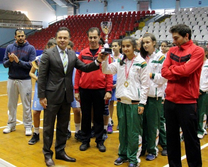Basketbol Yıldız Kızlar İl Müsabakaları Sona Erdi