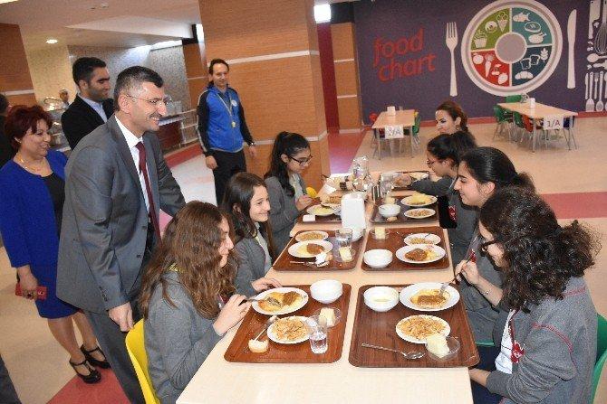 Vali Bektaş Bahçeşehir Koleji Öğrencileri İle Buluştu