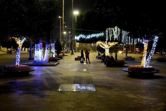 Atatürk Caddesi Yeni Yıla Işıl Işıl Girecek