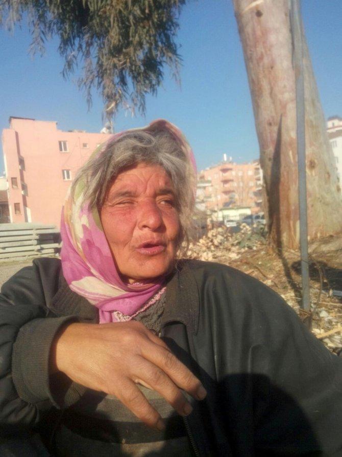 Sokaklarda yaşayan kimsesiz kadına şefkat eli