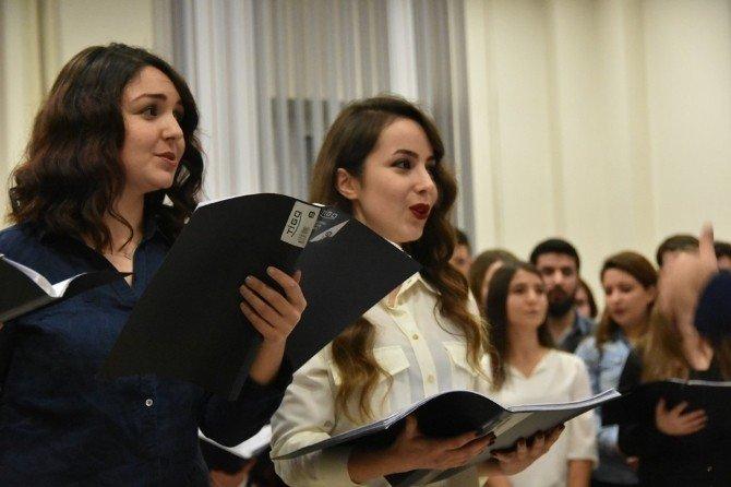 Müzik Öğretmenleri 2015'e Klasik Müzikle Veda Etti
