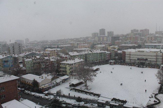 Niğde'ye İlk Kar Yağdı