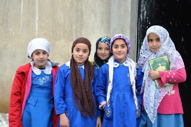 Köy Çocukları Kur'an Öğreniyor