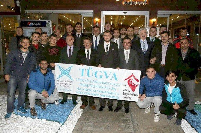 Çakır'dan Başarılı Sporculara Destek Sözü