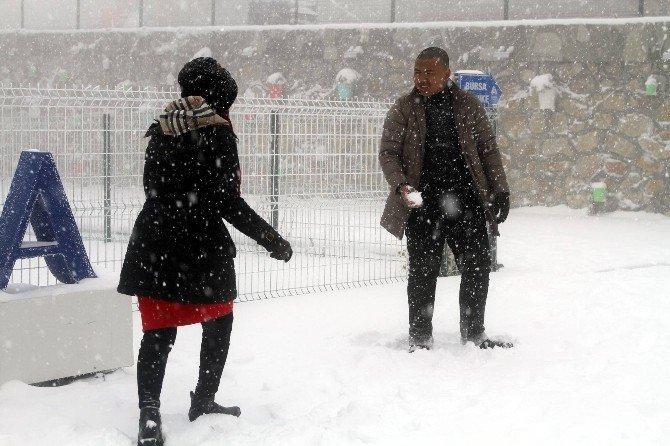 Tatilciler Uludağ'a Gelmeye Başladı