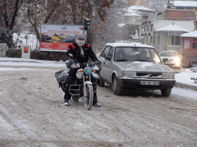 Yozgatlılar güne karla uyandı