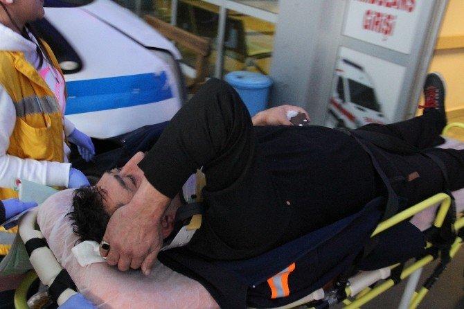 Zonguldak-istanbul Yolunda Tır Yoldan Çıktı: 2 Yaralı