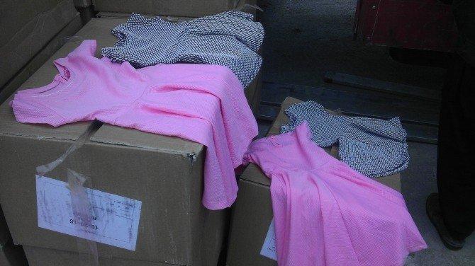 Çocuk Kıyafeti Arasında 250 Bin Paket Kaçak Sigara