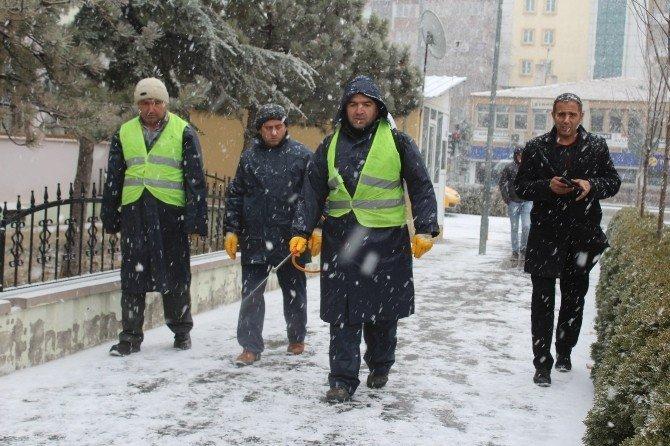 Ani Bastıran Kar Yağışına Solüsyonlu Müdahale
