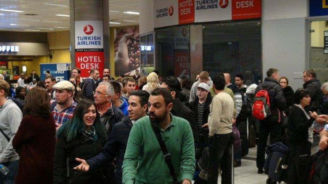 Atatürk Havalimanı'nda kar gerginliği