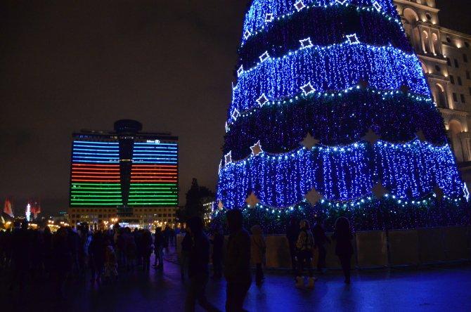 Azerbaycanlılar yeni yılı sevinçle karşıladı