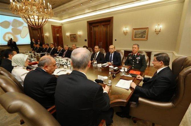 Başbakan Davutoğlu yılın son güvenlik toplantısına katıldı