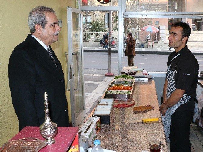 Başkan Demirkol Esnaf Ve Vatandaşlarla Görüştü