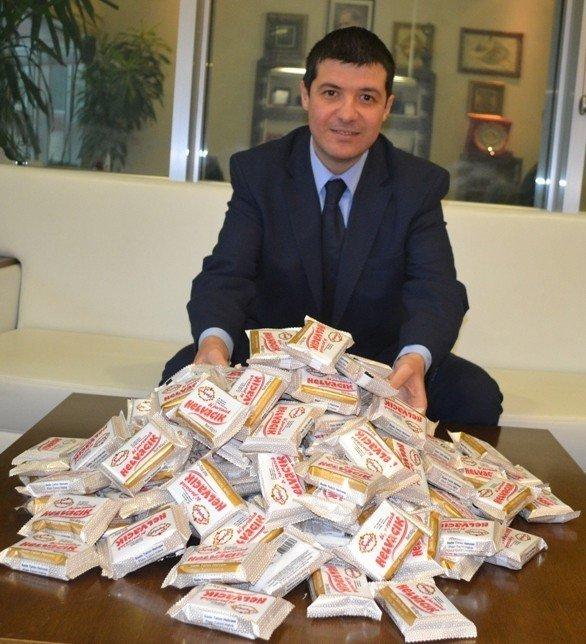 İBB, Karda Mahsur Kalan Sürücülere 50 Bin Paket Helva Dağıtacak