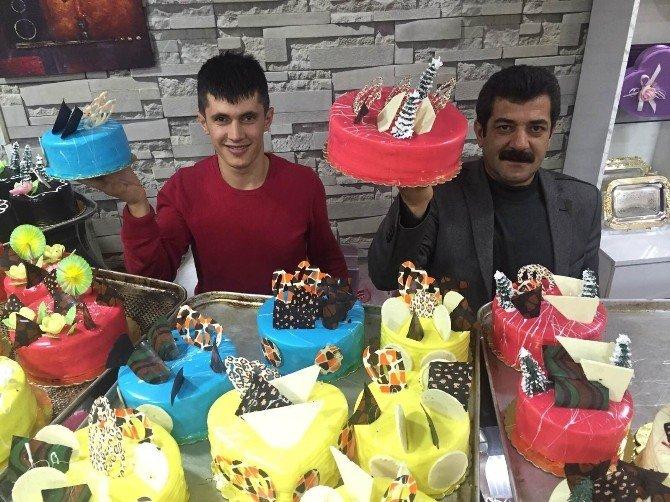 Bitlis'te Yılbaşına Özel Altınlı Pasta