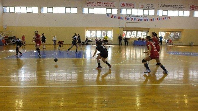 Burhaniye Hentbol Gençler Yarı Finallerine Ev Sahipliği Yaptı