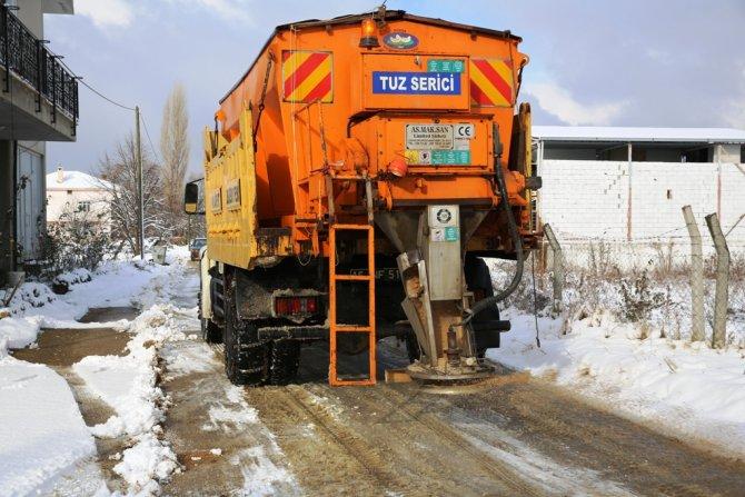 Nilüfer'de karla mücadele ekipleri iş başında