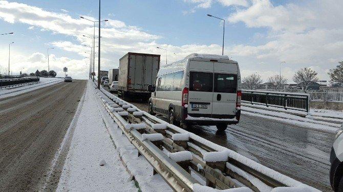 Bursa'da Sürücülerin Buz Ve Karla İmtihanı