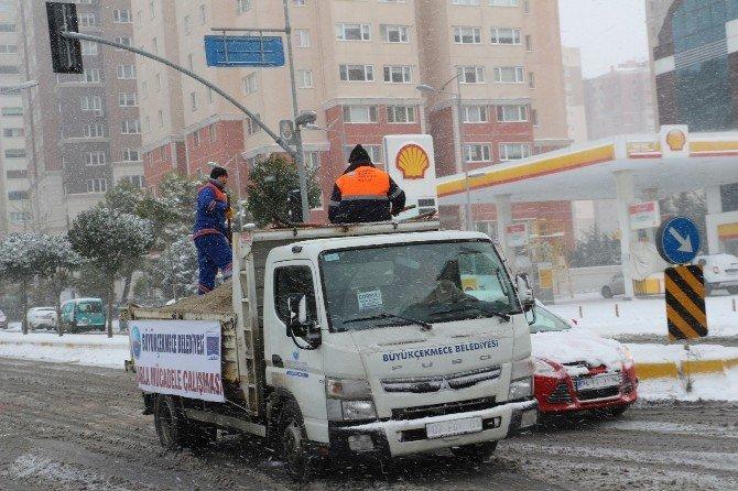 Büyükçekmece'de Kar Timleri Görev Başında