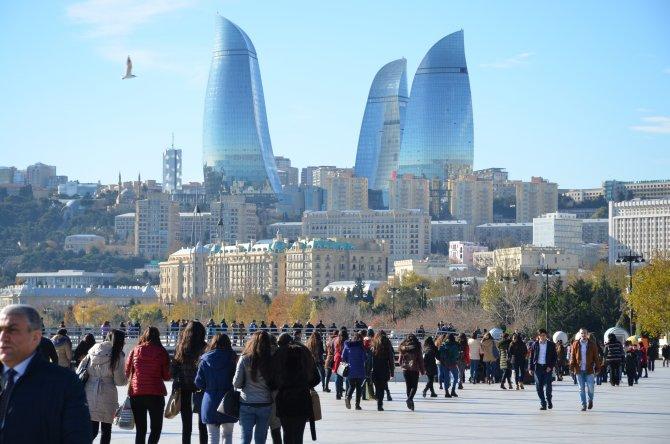 Azerbaycanlılar Dayanışma Günü'nü kutluyor