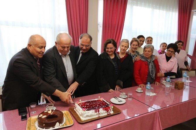 Başkan Bakıcı Personellerinin Ve Vatandaşların Yeni Yılını Kutladı