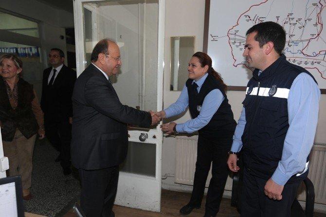 Başkan Özakcan, Personelinin Yeni Yılını Kutladı